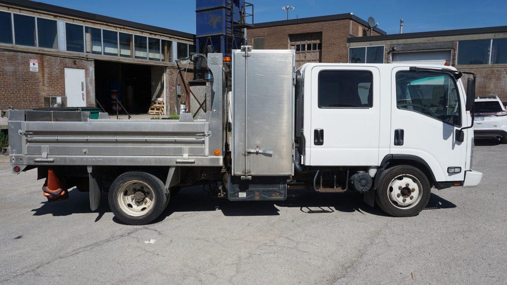 New Full Vehicle Wrap -Metro Jet Wash - Isuzu Truck - Vinyl Wrap Toronto - Branding Centres