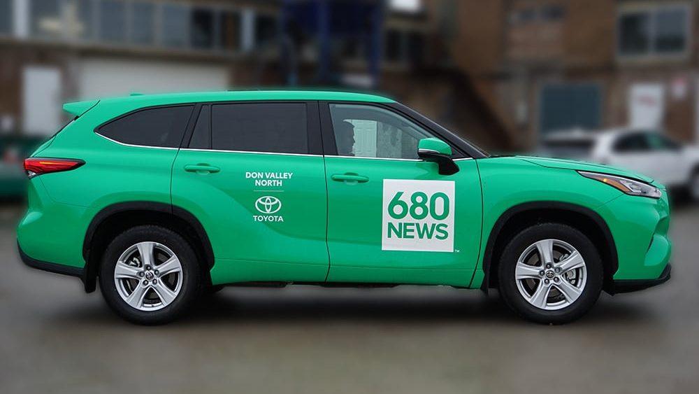 Toyota-Highlander-Hybrid-Full-Car-Wrap-Commercial-Wrap-680-News-VinylWrapToronto.com-Best-Vehicle-Wrap-in-Toronto-Side